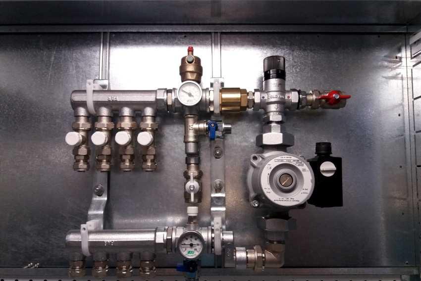 kollektor-otopleniya-foto-video-raznovidnosti-ustroystv-i-printsip-rabotyi-17