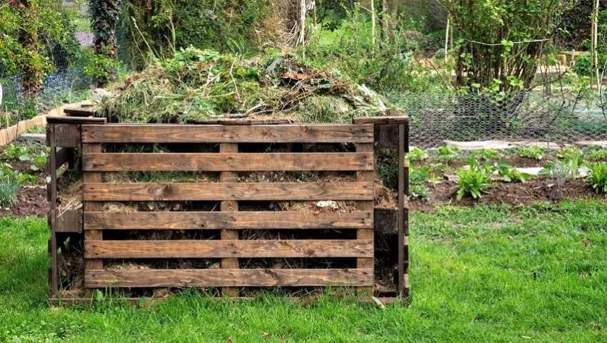 kompostnyiy-yashhik-foto-video-kak-sdelat-kompostnuyu-yamu-svoimi-rukami-14