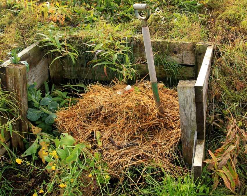 kompostnyiy-yashhik-foto-video-kak-sdelat-kompostnuyu-yamu-svoimi-rukami-15