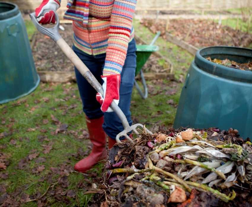 kompostnyiy-yashhik-foto-video-kak-sdelat-kompostnuyu-yamu-svoimi-rukami-35