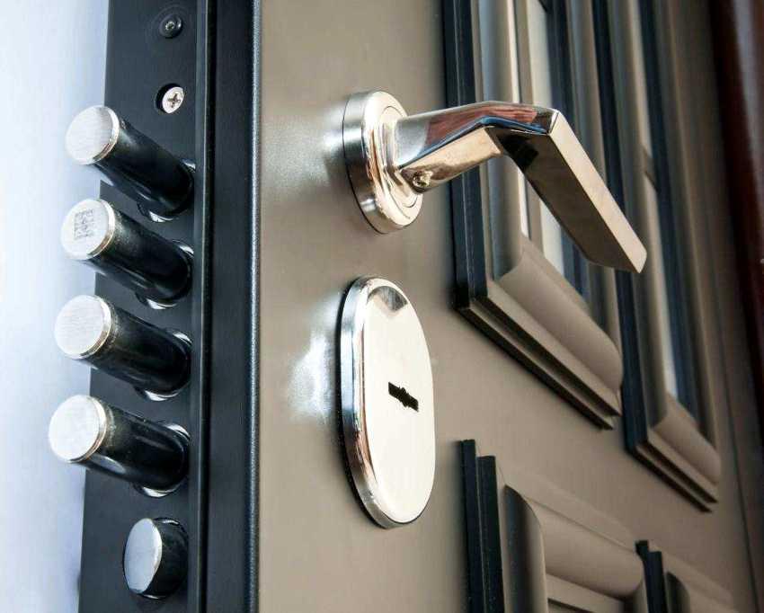 zamena-dvernogo-zamka-foto-video-kak-zamenit-dvernoy-zamok-svoimi-rukami-15