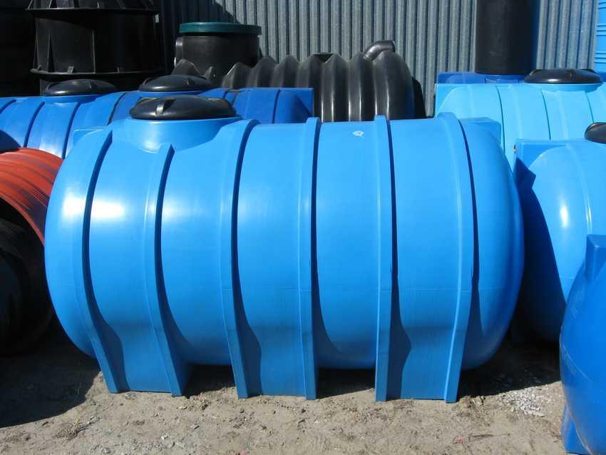 plastikovyj-kanalizatsionnyj-kolodets-foto-video-vidy-razmery-emkostej-3
