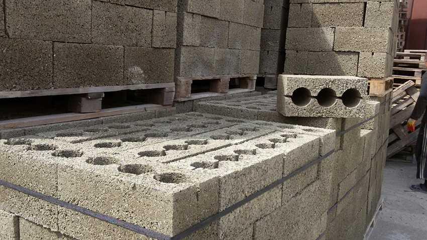 fundamentnyj-zhelezobetonnyj-blok-foto-video-raznovidnosti-60