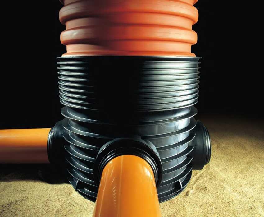 plastikovyj-kanalizatsionnyj-kolodets-foto-video-vidy-razmery-emkostej-13