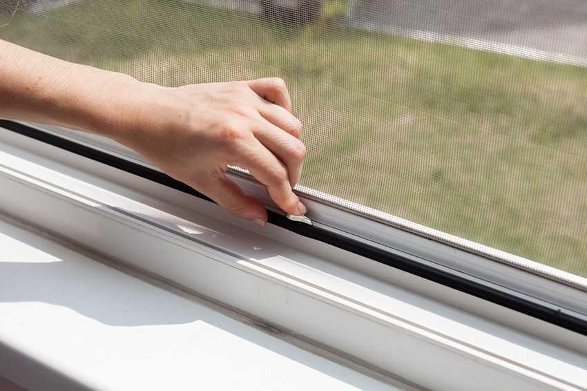 vidy-moskitnyh-setok-foto-video-kak-vybrat-setki-na-plastikovye-okna-7