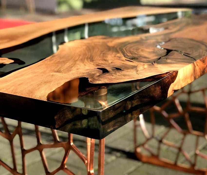 epoksidnyj-stol-foto-video-vidy-kak-sdelat-stol-iz-epoksidnoj-smoly-9