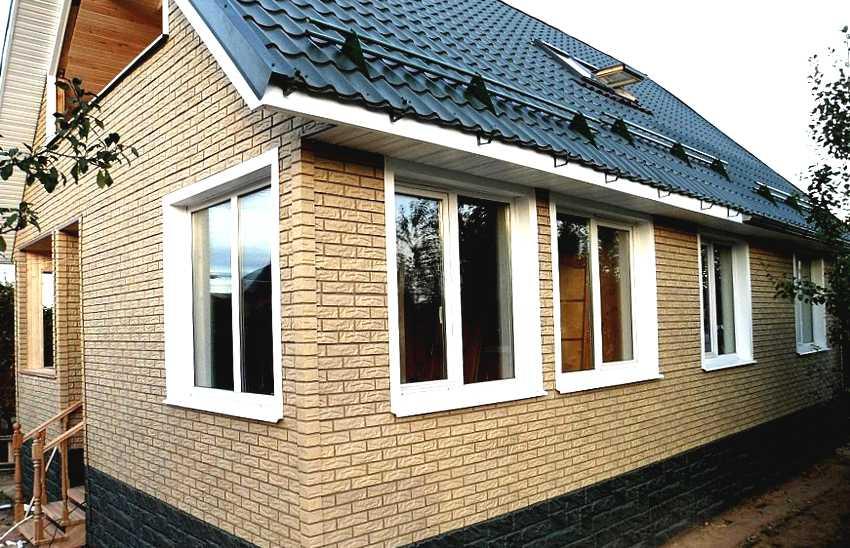 fasadnye-paneli-foto-video-otdelka-doma-panelyami-pod-kirpich-10