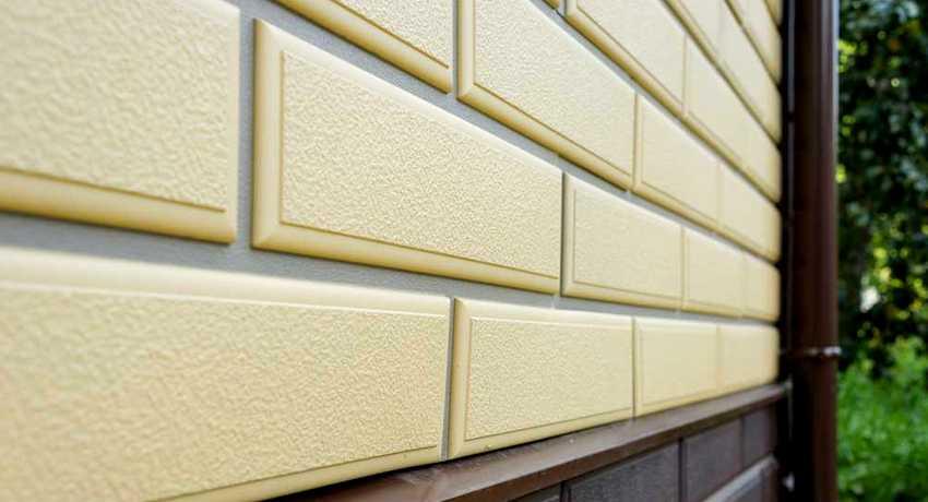fasadnye-paneli-foto-video-otdelka-doma-panelyami-pod-kirpich-1