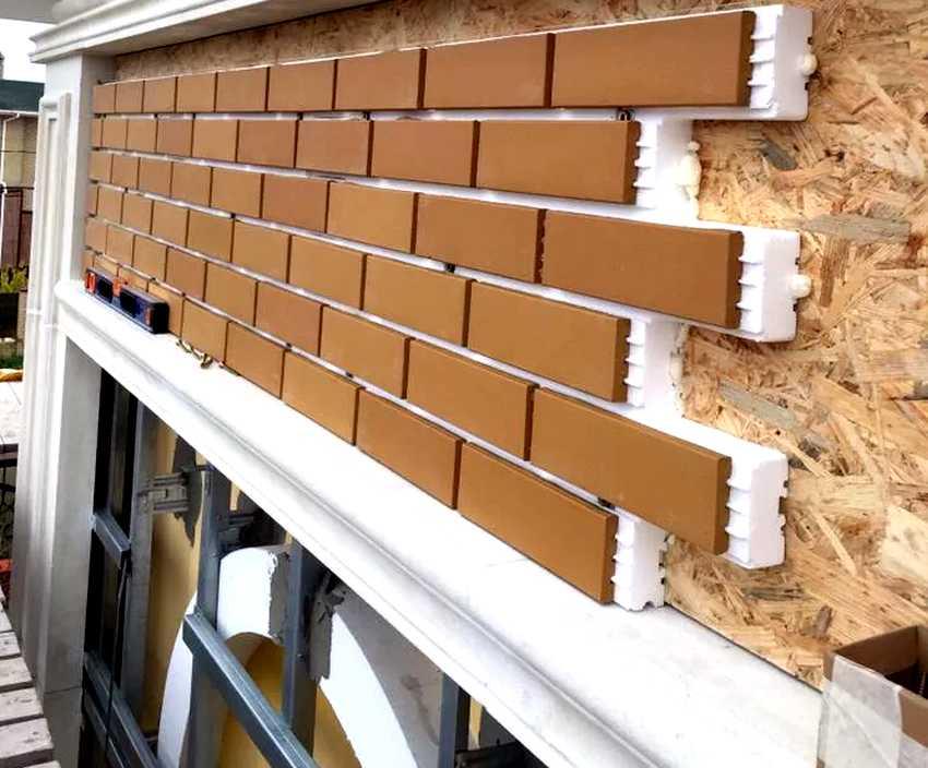fasadnye-paneli-foto-video-otdelka-doma-panelyami-pod-kirpich-12