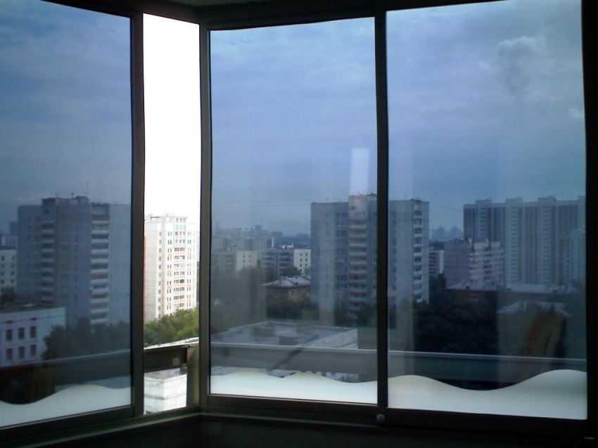 solnczezashhitnaya-plenka-na-okna-foto-video-dostoinstva-i-nedostatki-8