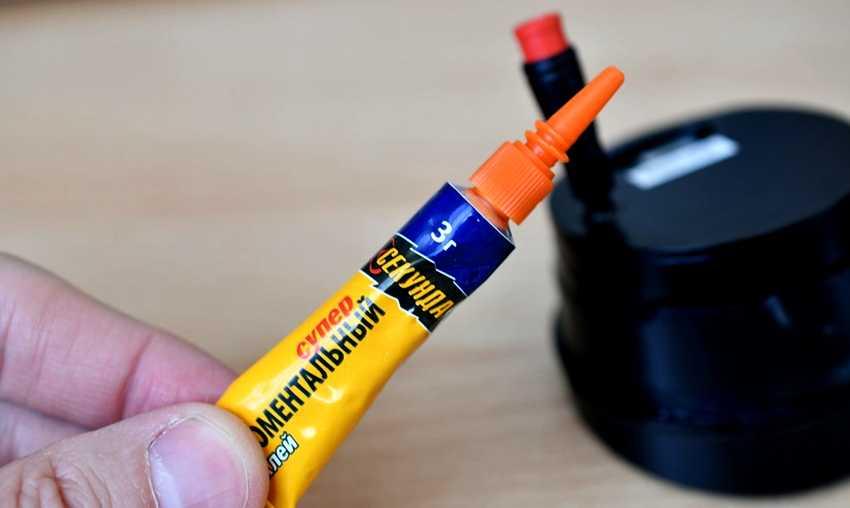 sekundnyj-klej-foto-video-harakteristiki-raznovidnosti-czianakrilatnogo-kleya-6