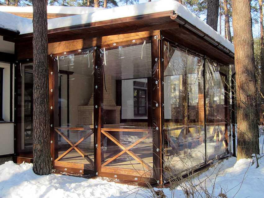 myagkie-okna-foto-video-myagkoe-steklo-dlya-besedok-terras-i-drugih-konstrukczij-3