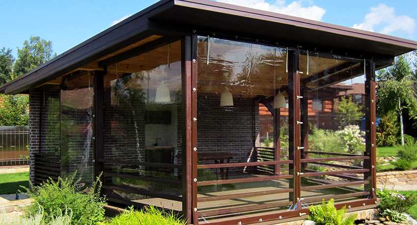 myagkie-okna-foto-video-myagkoe-steklo-dlya-besedok-terras-i-drugih-konstrukczij-1