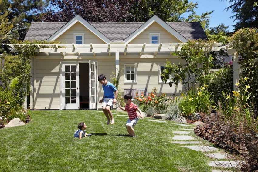proekty-dachnyh-domov-foto-video-opisanie-konstruktivnyh-osobennostej-3