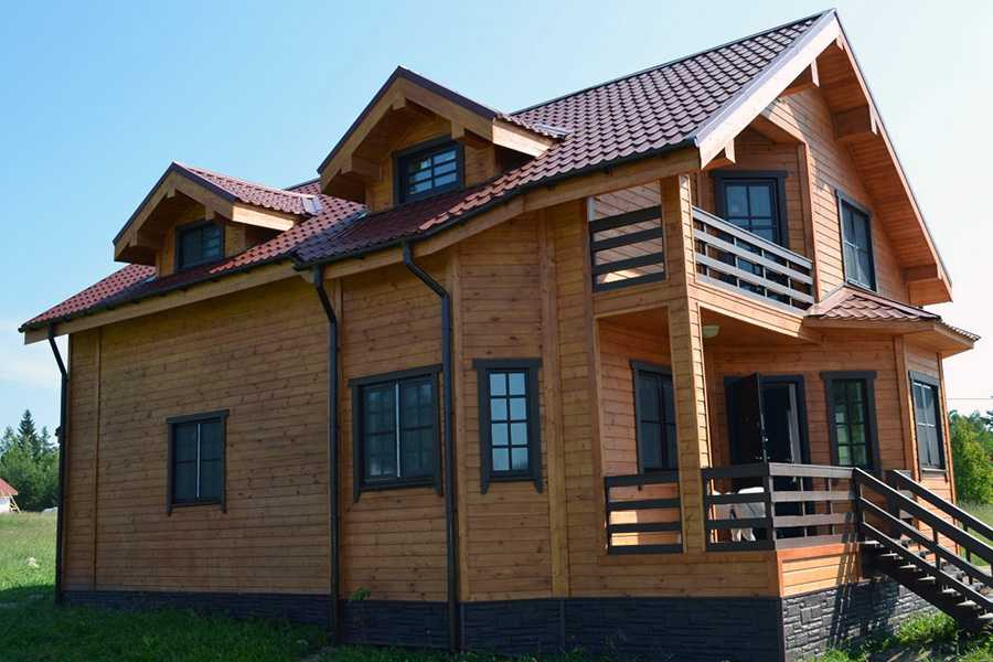 Фото примеры отделки дома имитацией бруса.