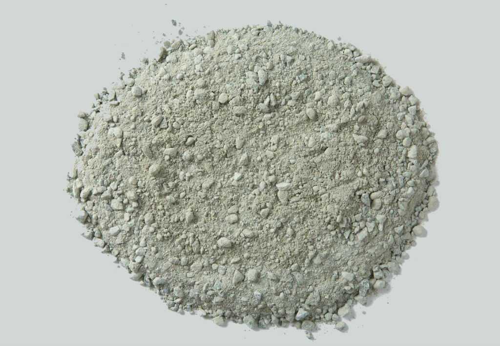 Песок из отсевов дробления, или отсев щебня (гранитная порода).