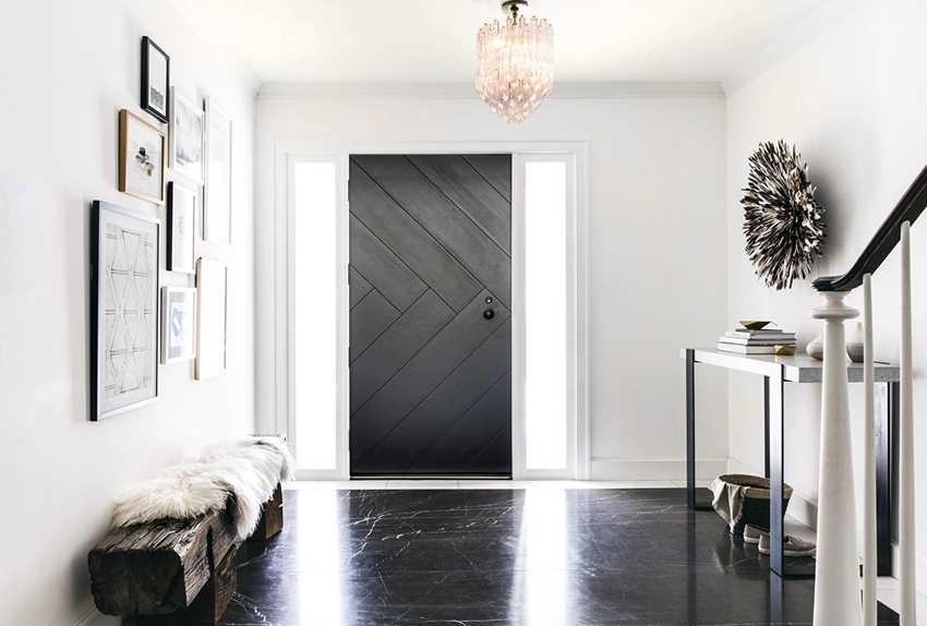 nakladka-na-vhodnuyu-dver-foto-video-raznovidnosti-dekorativnyh-panelej-12