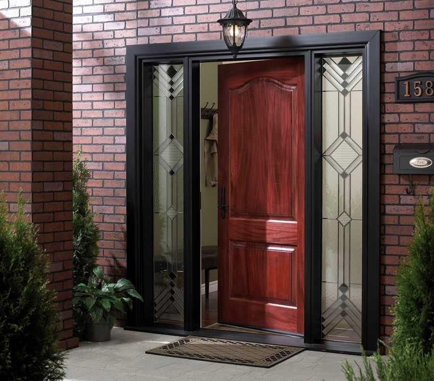 nakladka-na-vhodnuyu-dver-foto-video-raznovidnosti-dekorativnyh-panelej-6