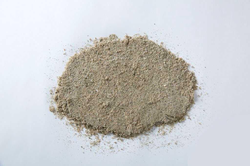 Песок получается очень чистым и стоит дороже других разновидностей.