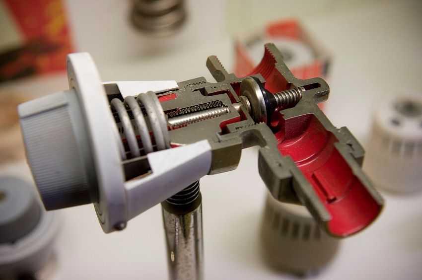 termoregulyator-dlya-radiatora-otopleniya-foto-video-princzip-dejstviya-pravila-ustanovki-4