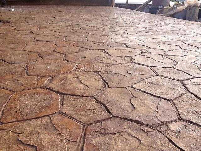 beton-i-dekoratinvyj-shtamp-na-nem-4