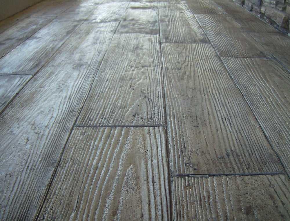 beton-i-dekoratinvyj-shtamp-na-nem-3