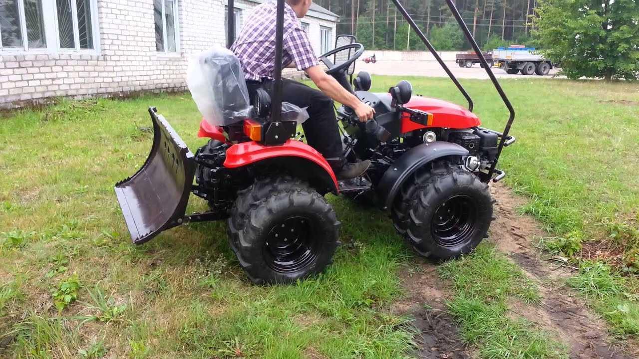 mnogofunkczionalnyj-mini-traktor-mtz-obzor-populyarnyh-modelej-1